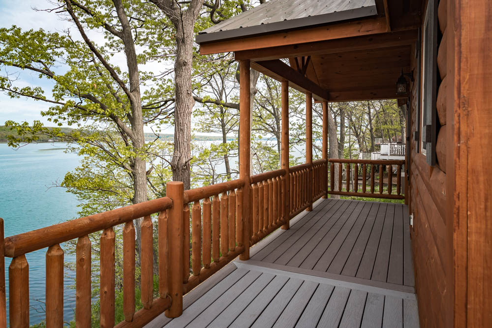 Lakefront Cottage deck